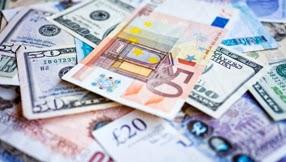 La Banque de Norvège laisse son taux directeur inchangé, la couronne rebondit nettement