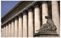 CAC 40 : La Bourse de Paris sous pression après l'indice PMI manufacturier décevant en Chine
