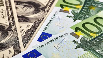 EUR/USD : Le cours sort par le haut d'un triangle avec un volume d'échange en baisse